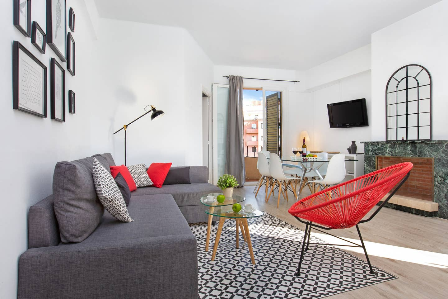 Airbnb aparment photos colour accents